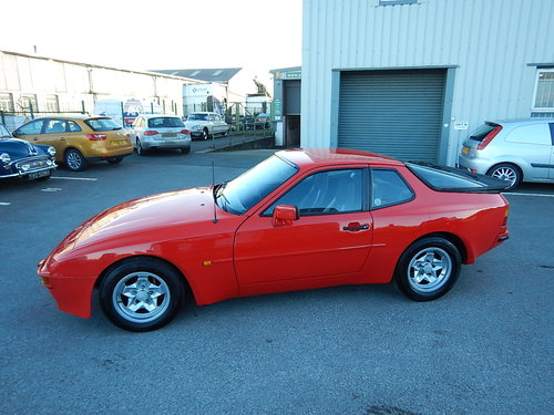 1985 PORSCHE 944 Lux ~ 5 Speed Manual ~  SOLD (picture 1 of 6)