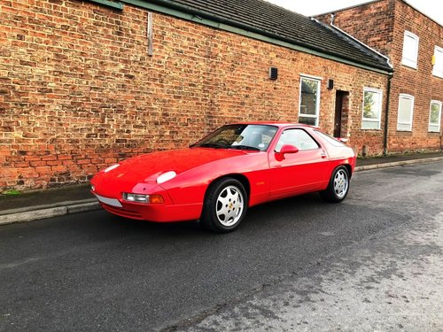 1990 Porsche 928 5.0 GT 5 speed manual SOLD (picture 1 of 6)