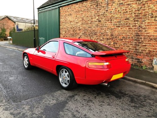 1990 Porsche 928 5.0 GT 5 speed manual SOLD (picture 3 of 6)