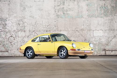 1971 Porsche 911 2.2 E For Sale (picture 1 of 6)