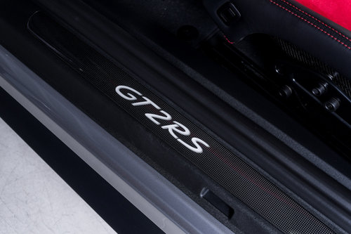 PORSCHE 911 GT2 RS 2018/18 For Sale (picture 5 of 6)
