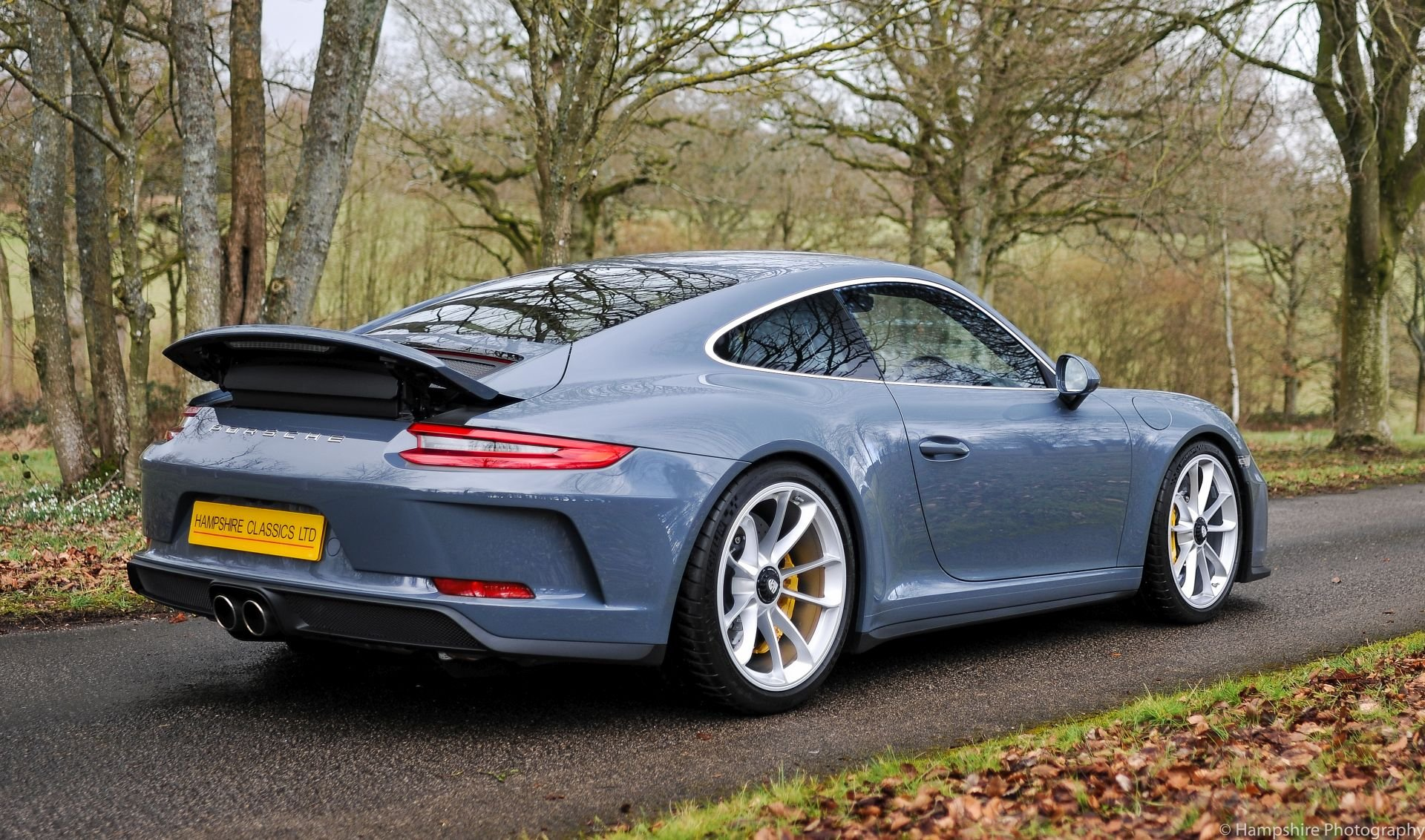 2018 Porsche 911 GT3 Touring - Only 697 Miles SOLD (picture 2 of 6)