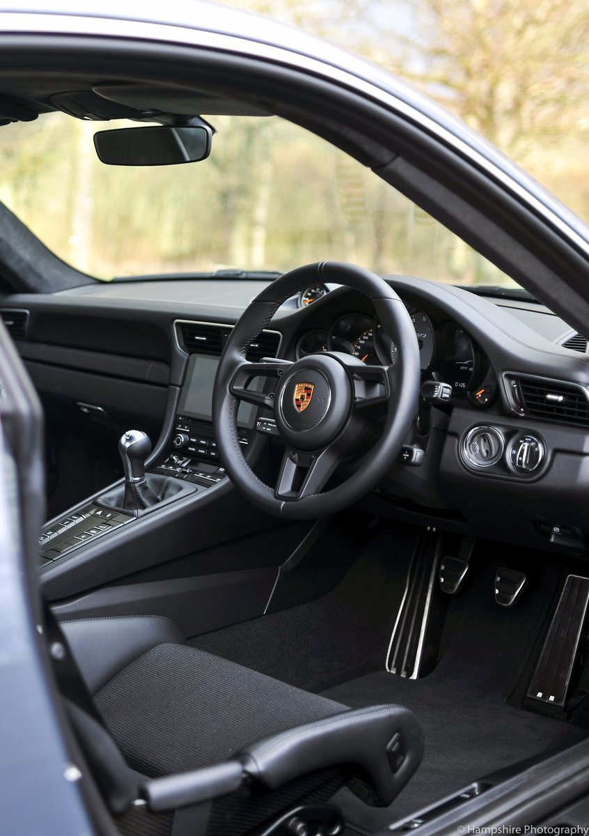 2018 Porsche 911 GT3 Touring - Only 697 Miles SOLD (picture 4 of 6)