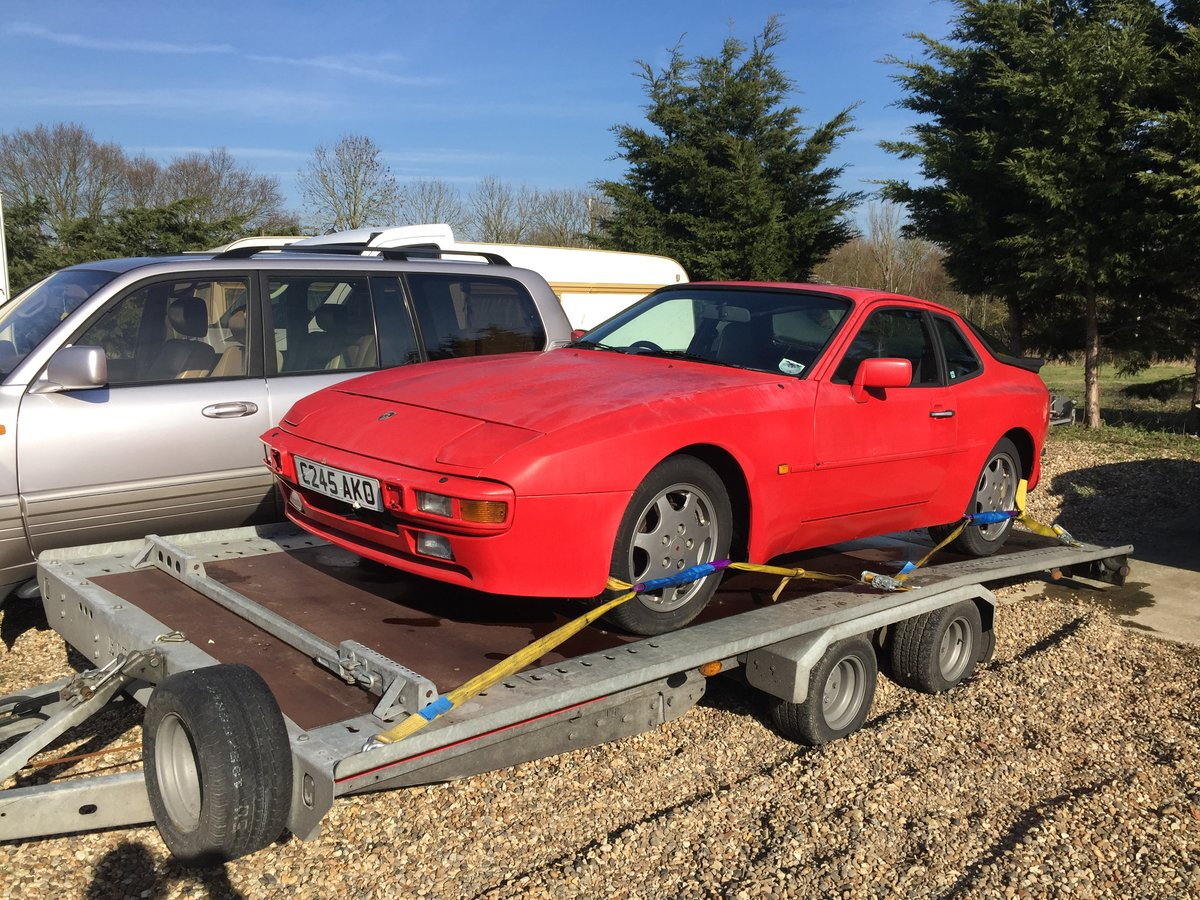 1985 Porsche 944 Project For Sale (picture 1 of 6)