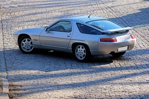 1991 - Porsche 928 GT ex Johnny Hallyday SOLD by Auction