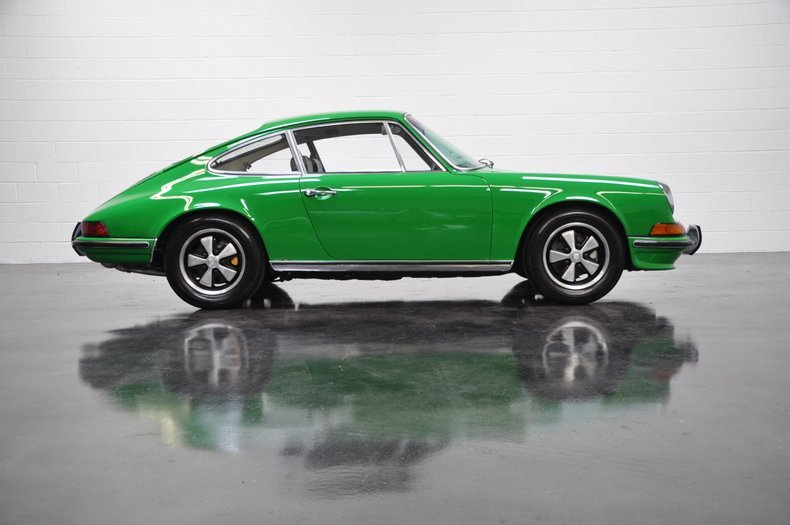 1970 Porsche 911S Coupe = Go Green(~)Black low miles $198.5k For Sale (picture 2 of 6)