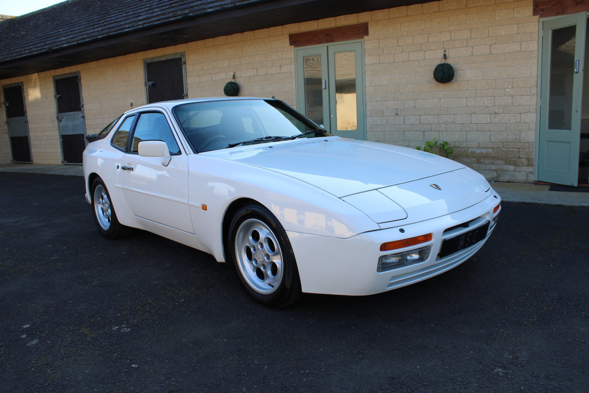 1986 PORSCHE 944 TURBO For Sale (picture 1 of 12)