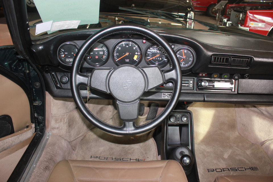 1983 Porsche 911SC Targa = Rare 1 of  made Go Green $69k For Sale (picture 5 of 6)