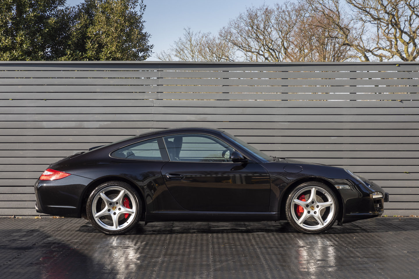 2011 Porsche 997 C2 S Coupe MANUAL ONLY 28500 MILES SOLD (picture 3 of 6)