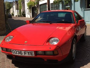 1986 Porsche 928 S2 Guards Red, Recently restored! FSH. For Sale
