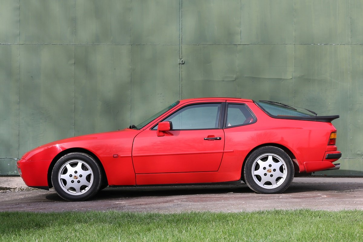 1989 PORSCHE 944S2 COUPE IN GAURDS RED For Sale (picture 2 of 6)