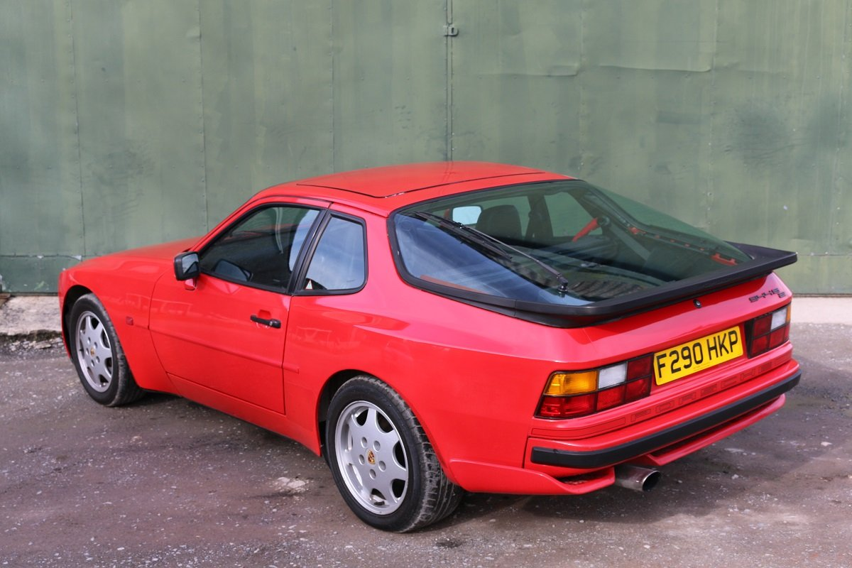 1989 PORSCHE 944S2 COUPE IN GAURDS RED For Sale (picture 3 of 6)