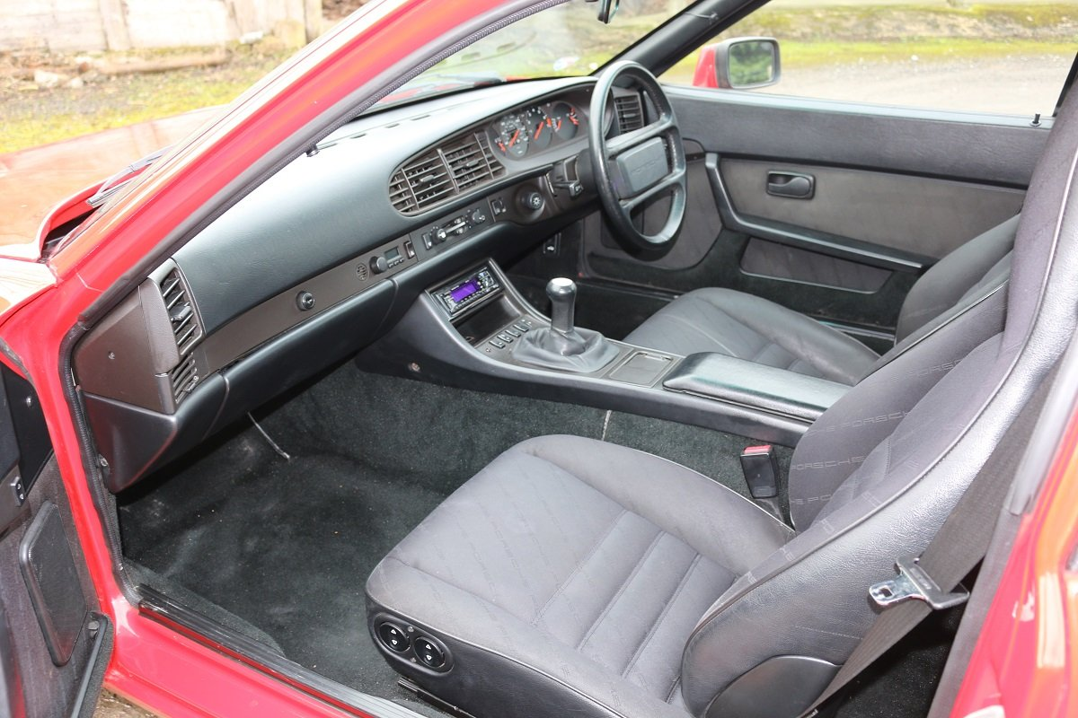 1989 PORSCHE 944S2 COUPE IN GAURDS RED For Sale (picture 5 of 6)