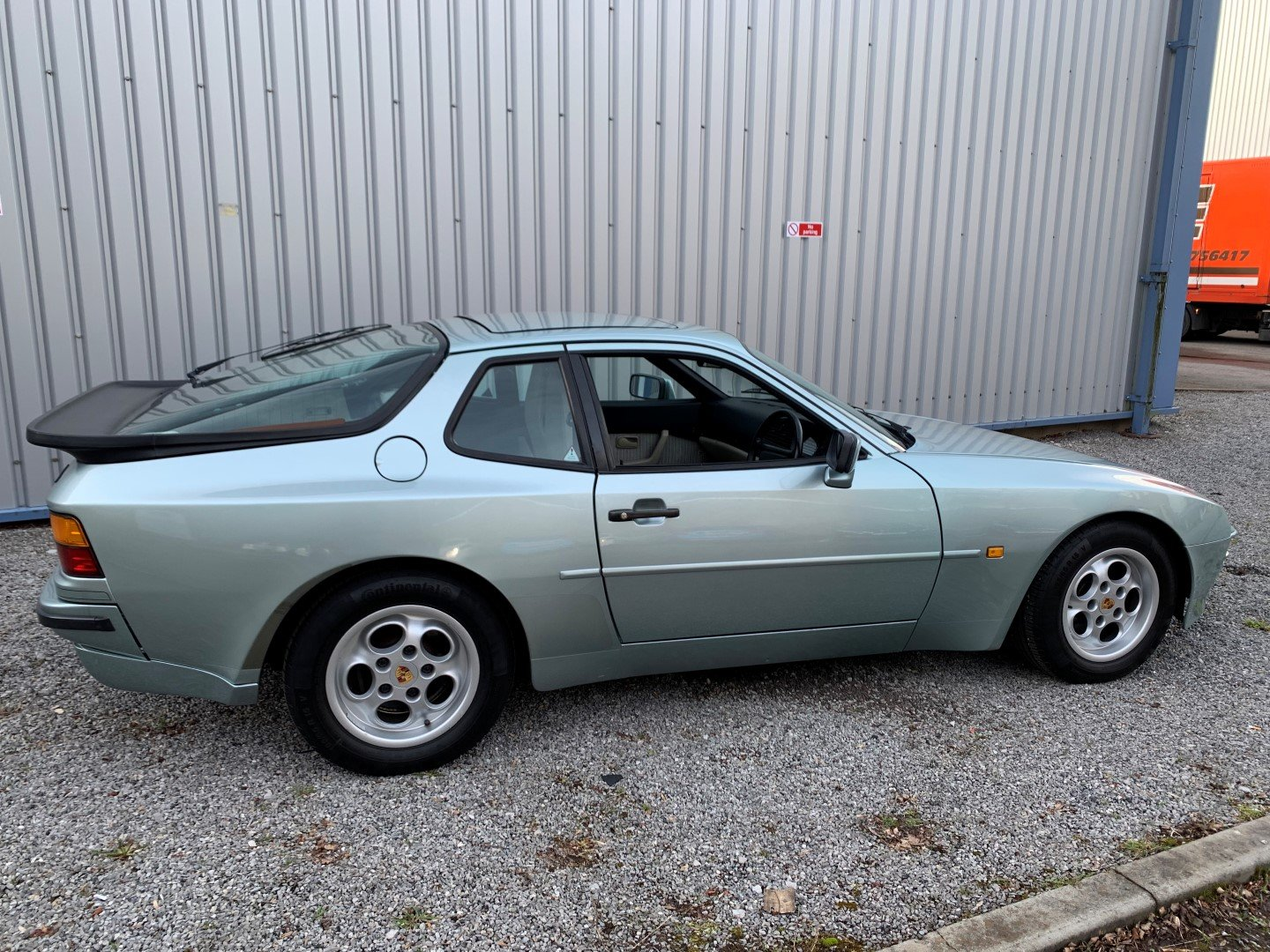 1986 PORSCHE  944  COUPE For Sale (picture 2 of 6)