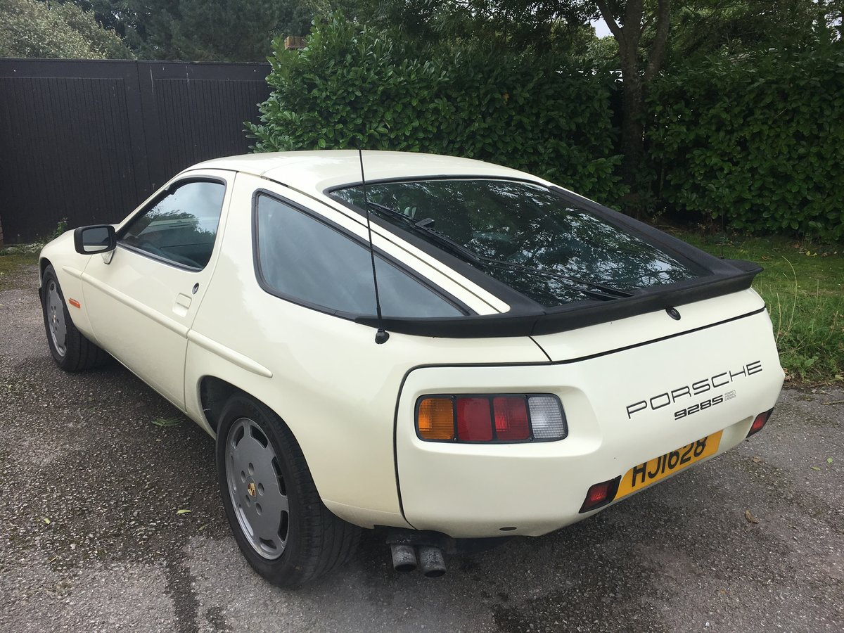 1984 ULTRA LOW MILEAGE,PERIOD COLOUR WITH PASCHA For Sale (picture 2 of 6)
