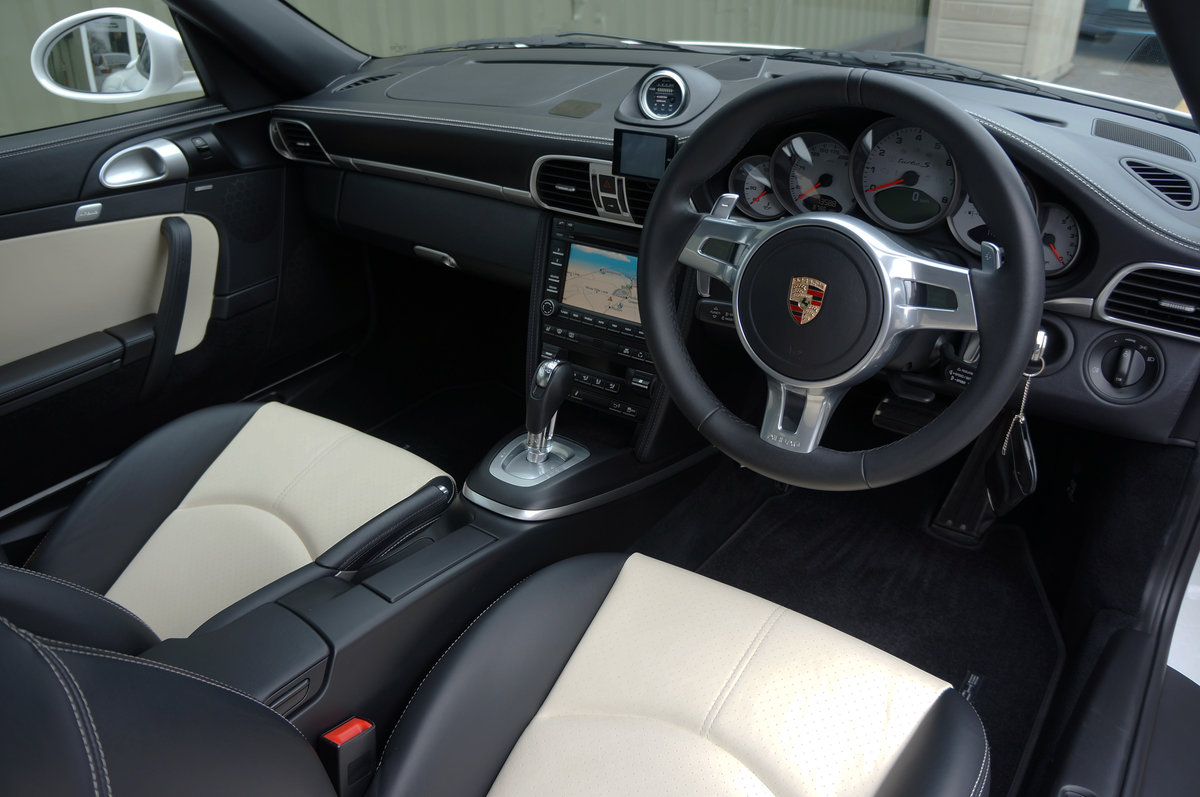 2011 Porsche 997 turbo S PDK ES700 - 1 owner, 13k, 672bhp, FPSH For Sale (picture 4 of 6)
