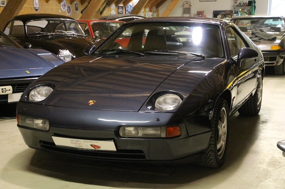 1987 Porsche 928 S4 / 5 SPEED MANUAL GEAR BOX ! ! SOLD (picture 1 of 6)