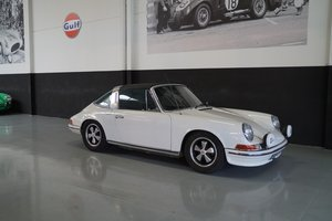 PORSCHE 911 Targa RESTOMOD (1972) For Sale