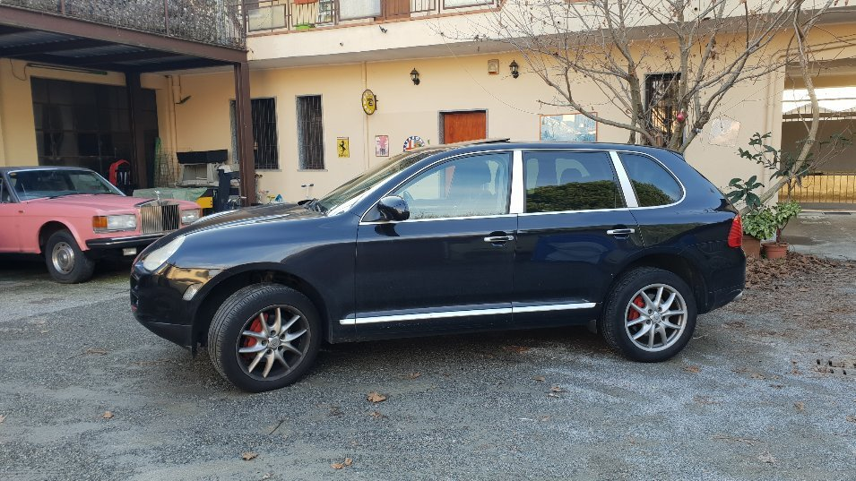 2005 wonderful porsche cayenne For Sale (picture 3 of 6)