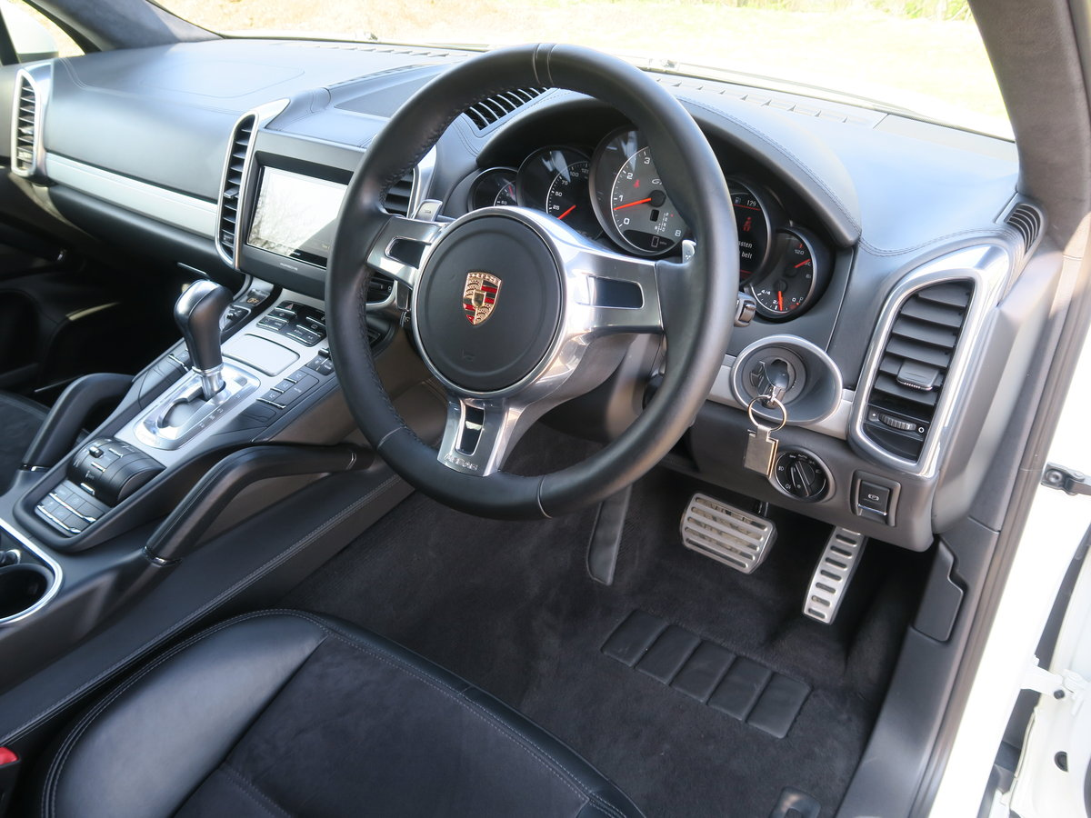 2015 Porsche Cayenne GTS 4.2 V8 For Sale (picture 5 of 6)