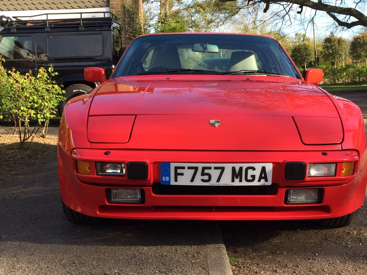 1988 Rare guards red 944s immaculate and restored. For Sale (picture 1 of 6)