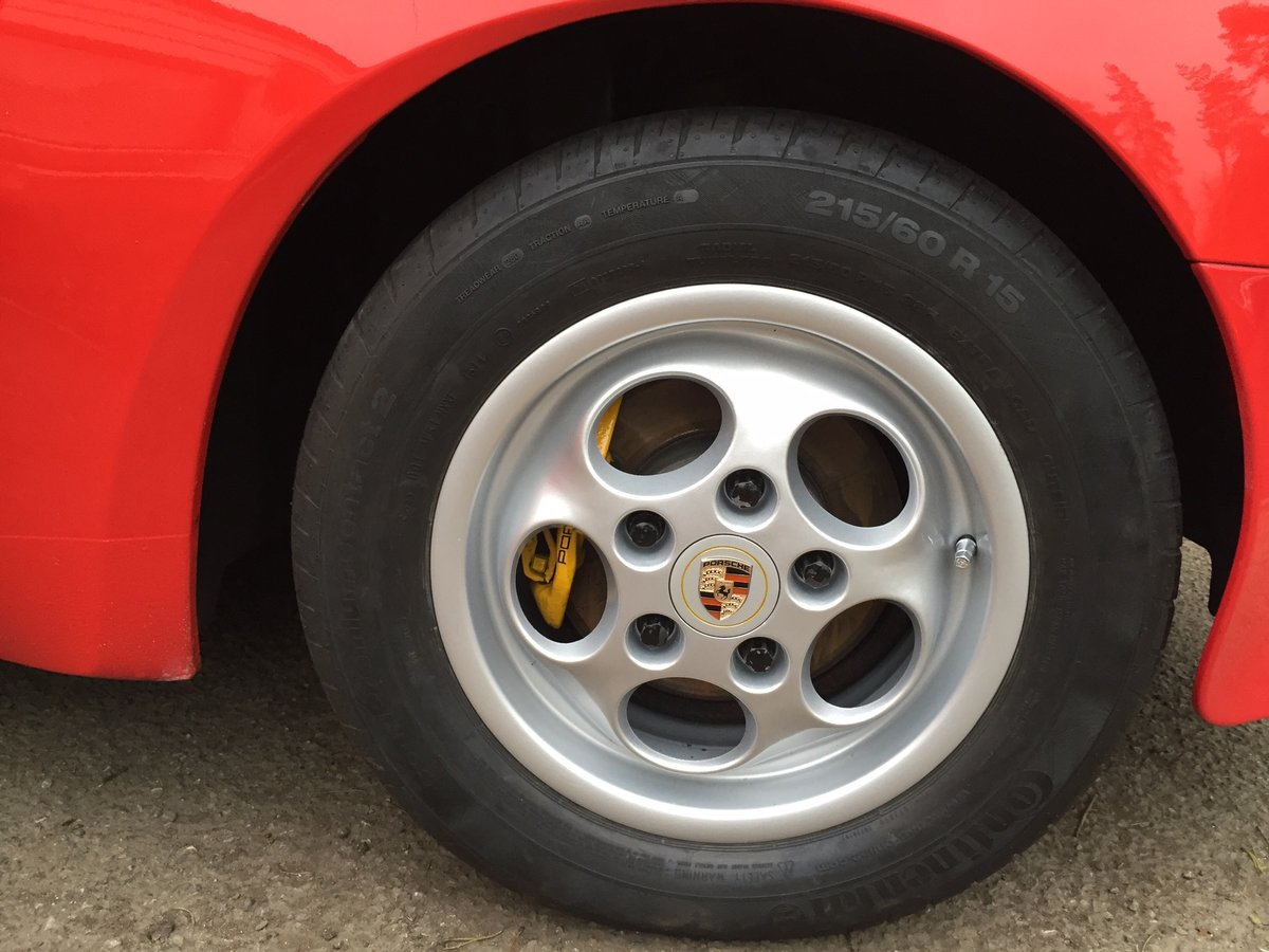 1988 Rare guards red 944s immaculate and restored. For Sale (picture 2 of 6)