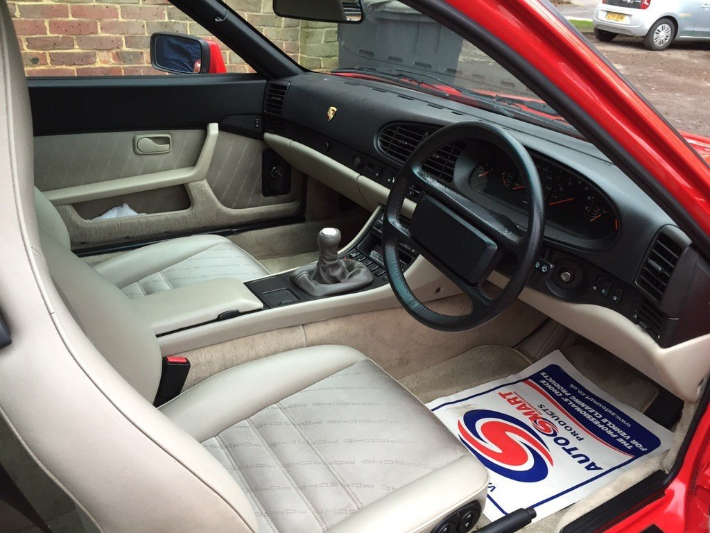 1988 Rare guards red 944s immaculate and restored. For Sale (picture 5 of 6)