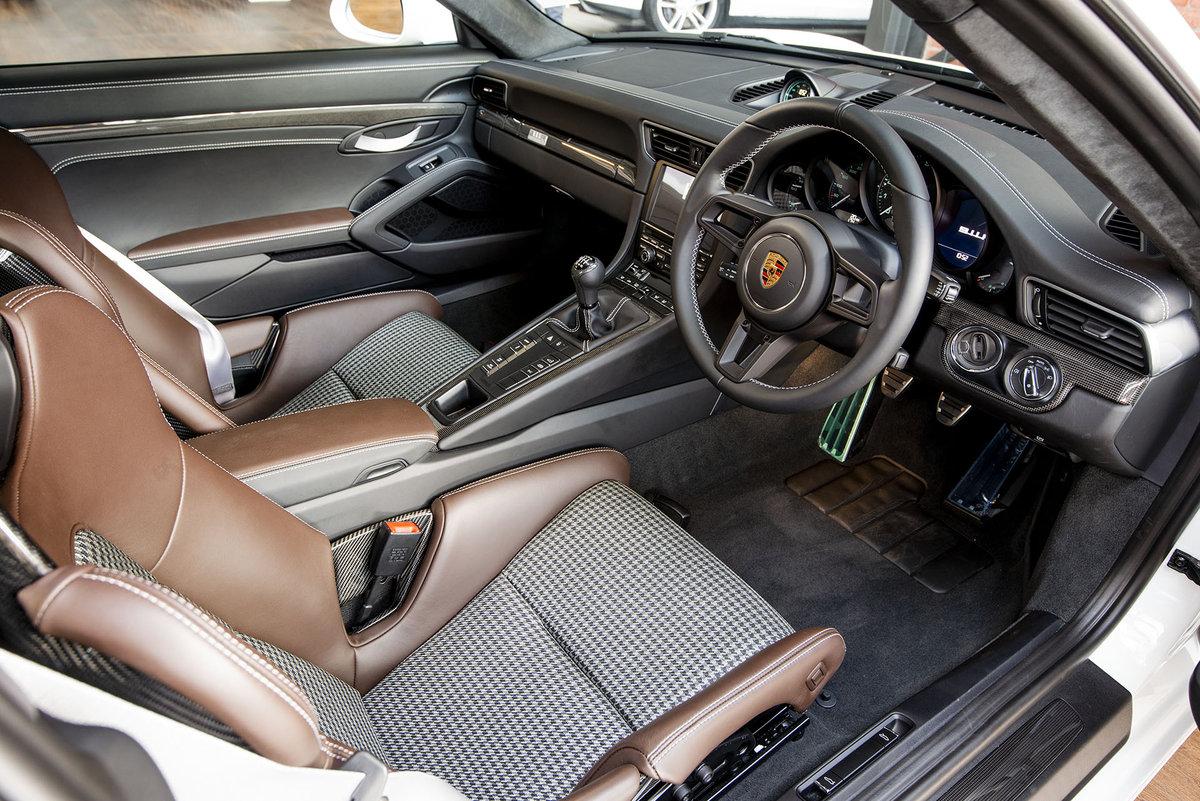 2017 Porsche 911R For Sale (picture 2 of 6)