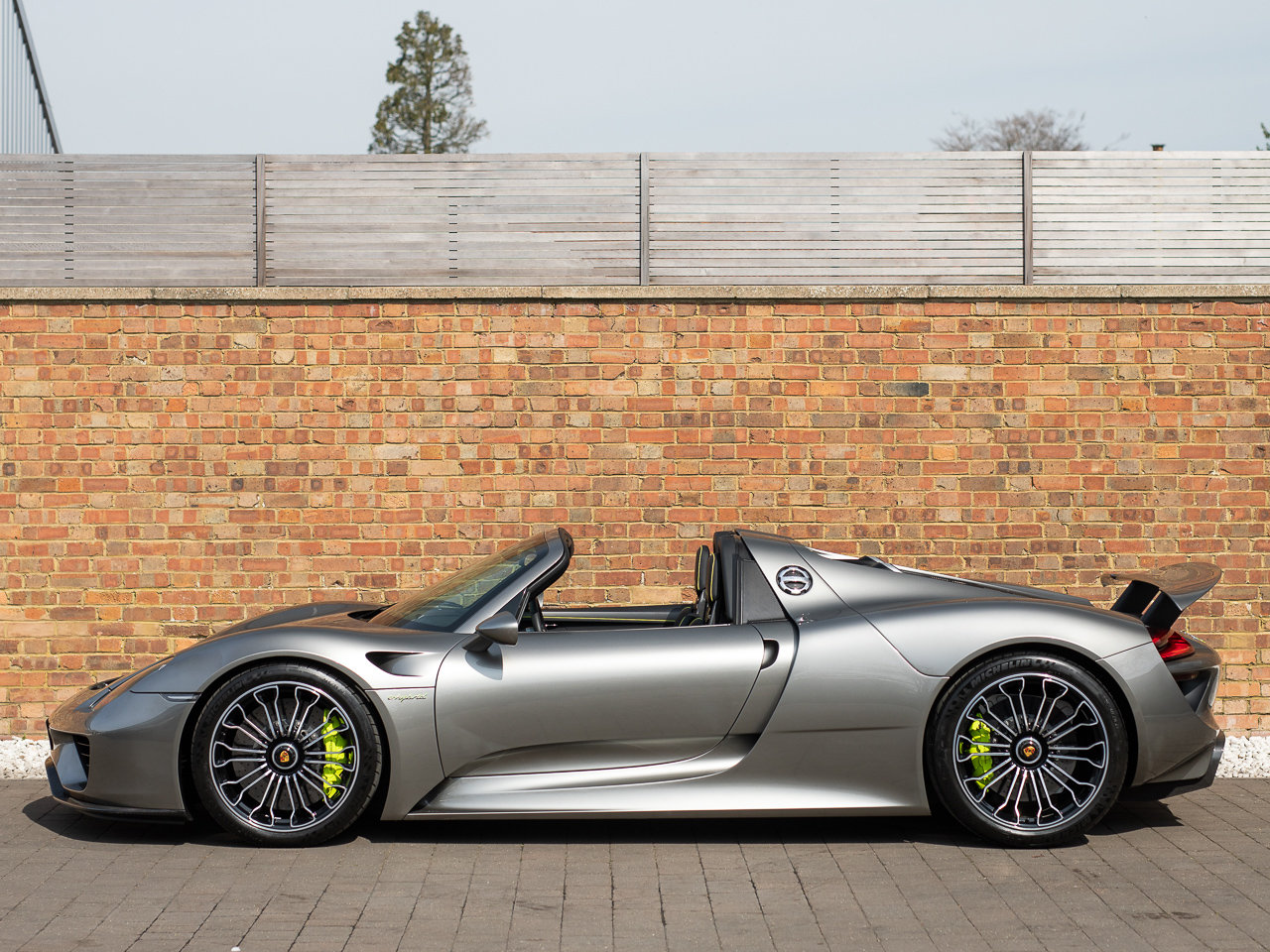 2014 Porsche 918 Spyder For Sale (picture 2 of 6)