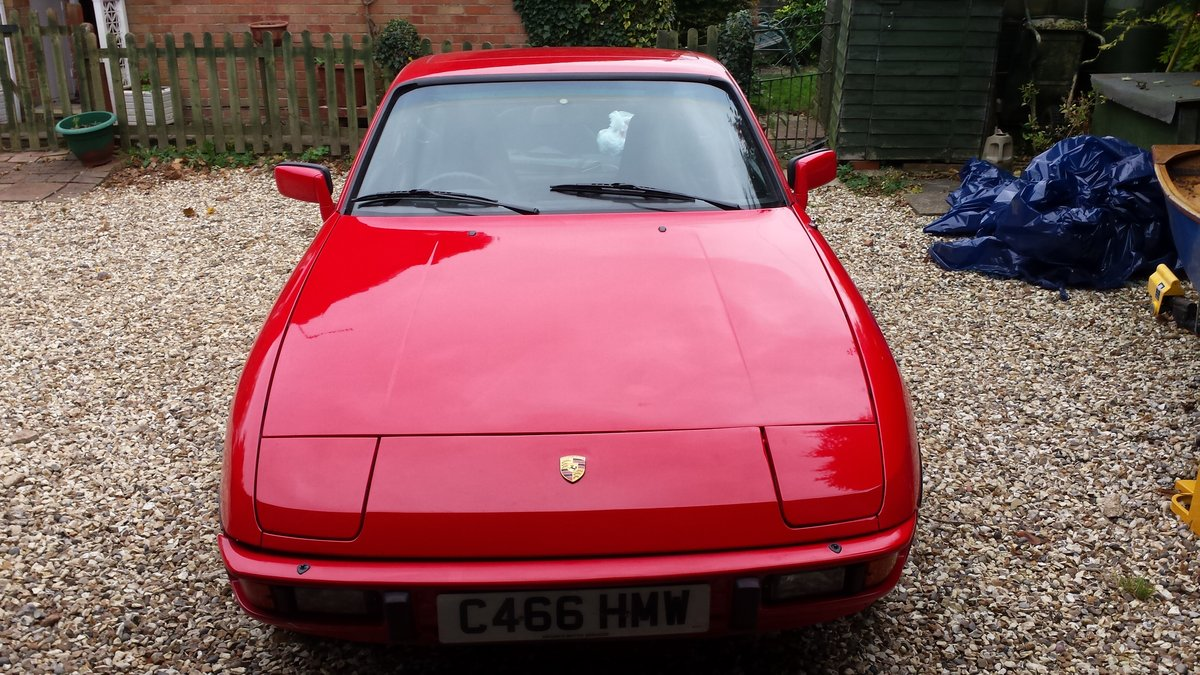 Porsche 924 1985 SOLD (picture 1 of 5)
