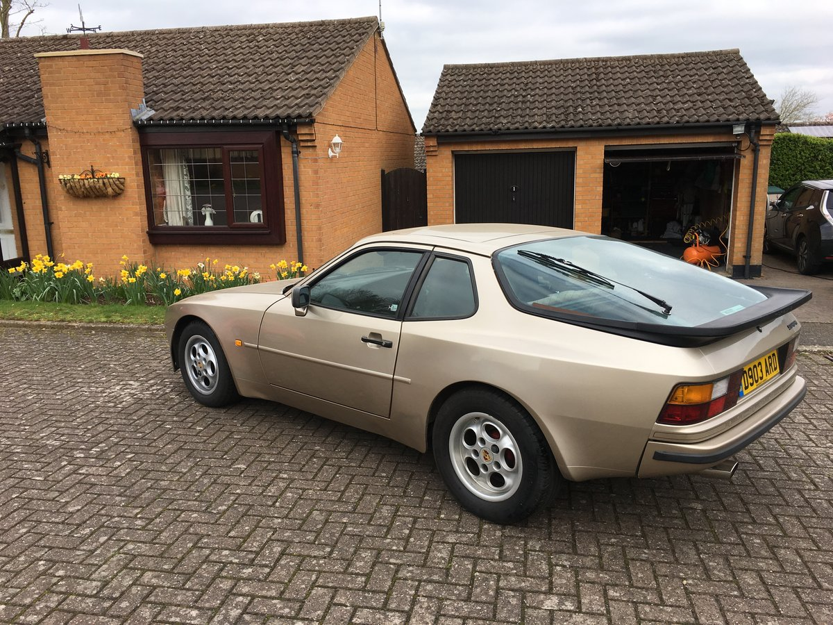 Porsche 2.5 Lux - 1986 SOLD (picture 2 of 6)