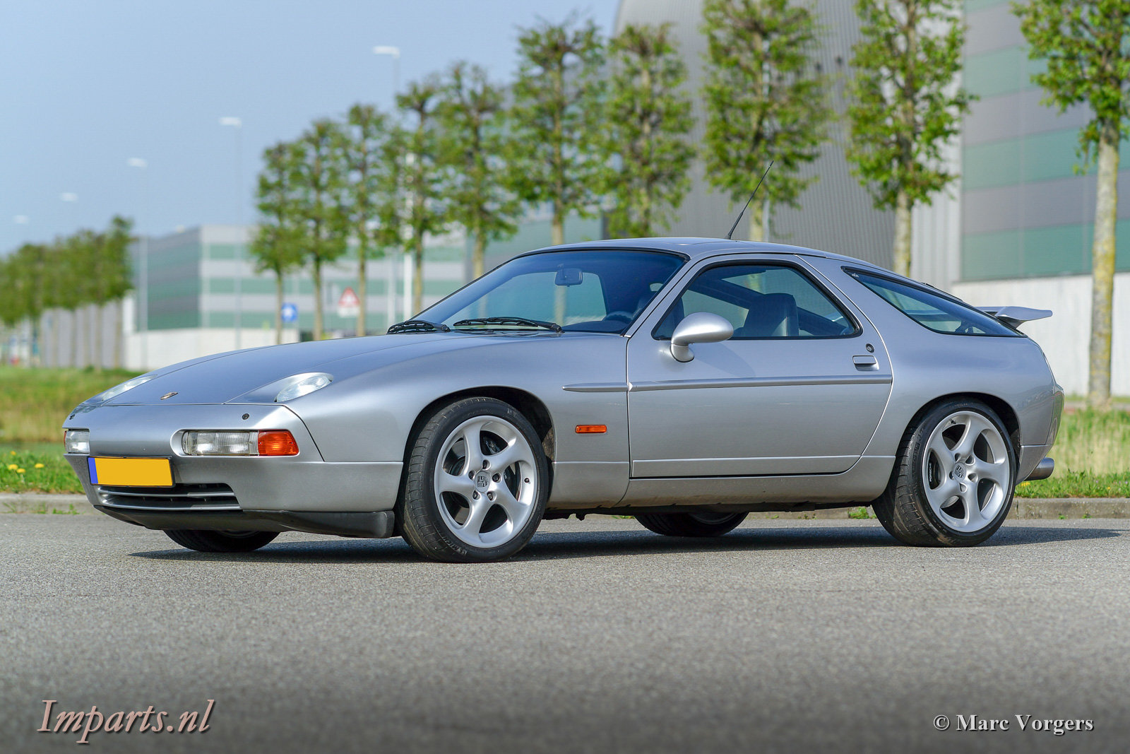 very nice Porsche 928 GTS automatic 1993 For Sale (picture 1 of 6)