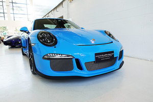 Picture of 2017 desirable Paint-To-Sample Mexico Blue 911 R, super rare SOLD