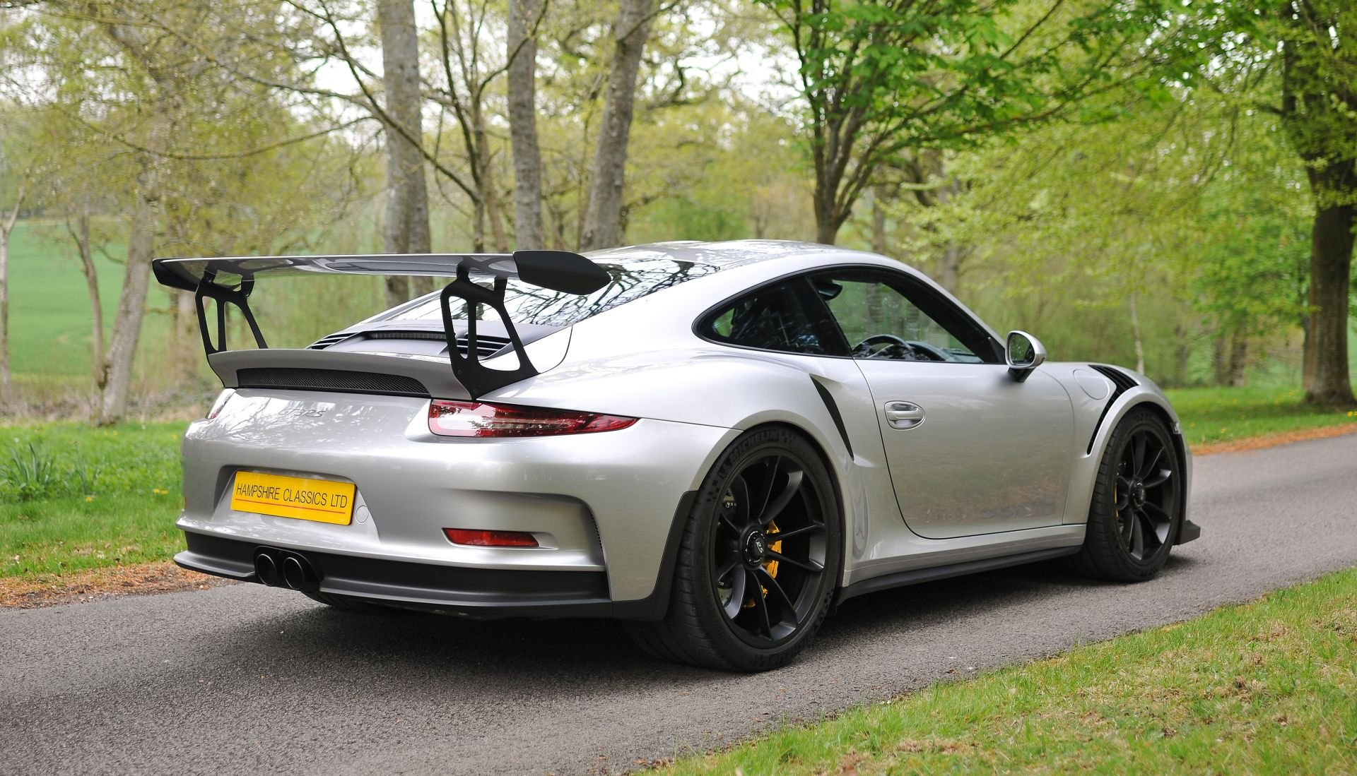 2016 Porsche 991 GT3 RS - Only 2268 miles SOLD (picture 3 of 6)