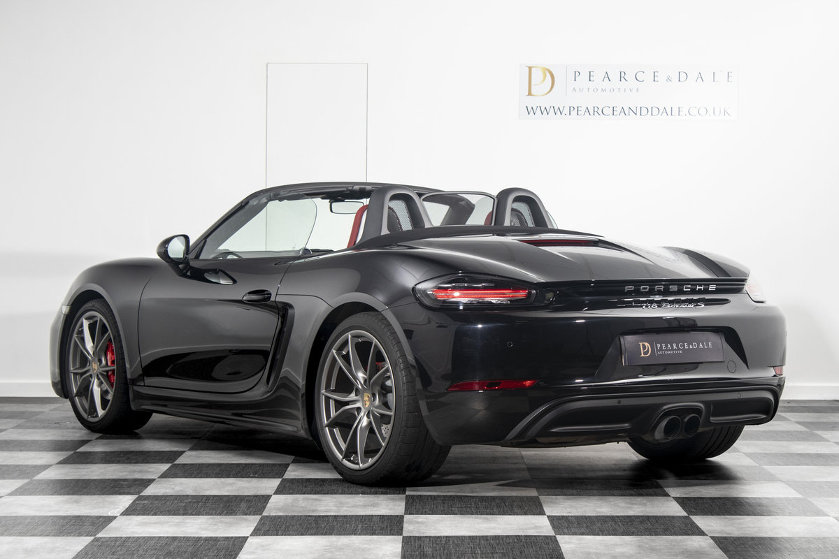 2018 / 18 Porsche 718 Boxster S PDK *SOLD* SOLD (picture 2 of 6)