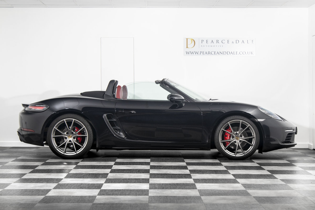 2018 / 18 Porsche 718 Boxster S PDK *SOLD* SOLD (picture 3 of 6)