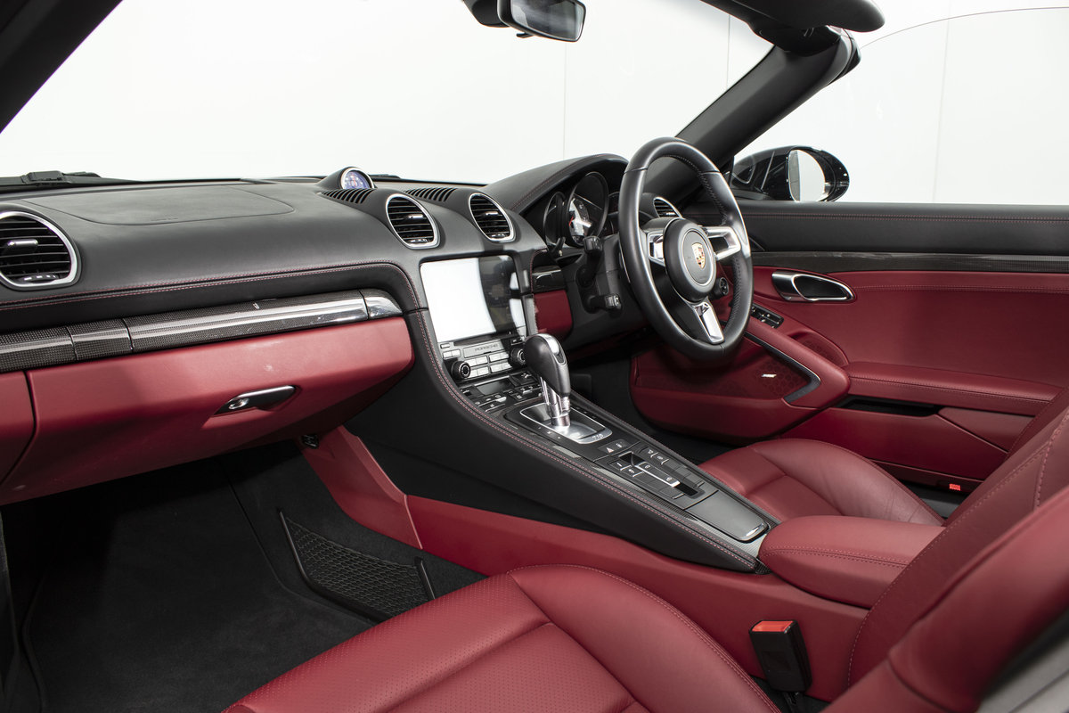2018 / 18 Porsche 718 Boxster S PDK *SOLD* SOLD (picture 5 of 6)