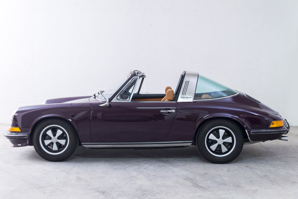 1972 911 2.4 Targa Rare Version *Fully Restored* For Sale (picture 2 of 6)