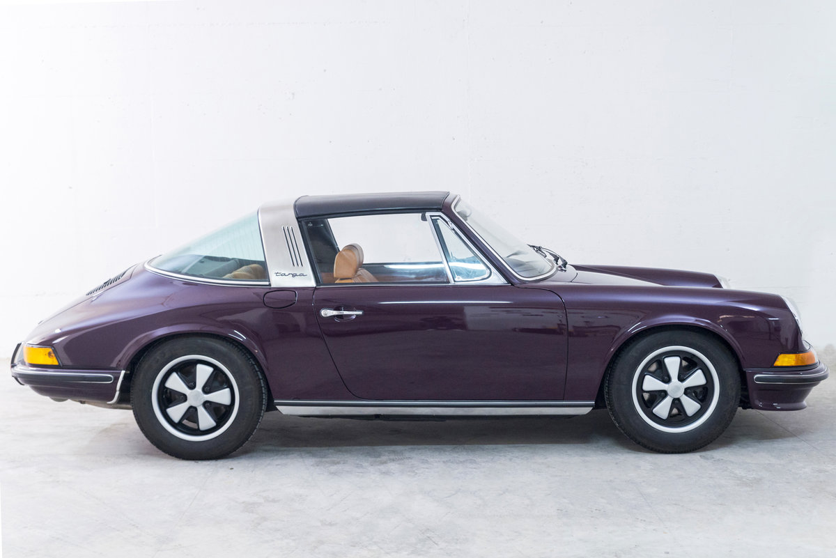 1972 911 2.4 Targa Rare Version *Fully Restored* For Sale (picture 3 of 6)