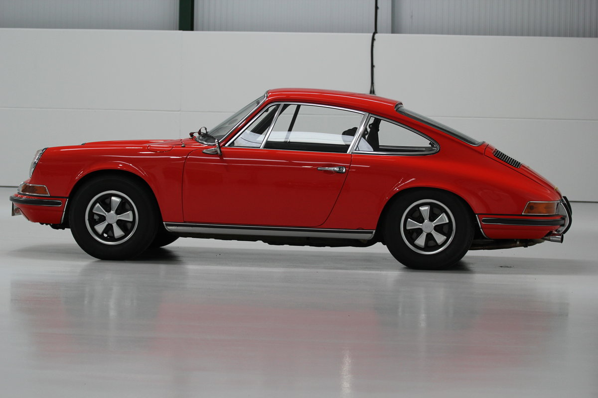1968 1969 Porsche 911 T Restored Blood Orange For Sale (picture 2 of 6)