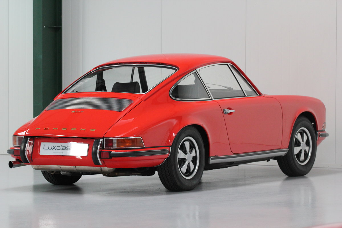 1968 1969 Porsche 911 T Restored Blood Orange For Sale (picture 4 of 6)