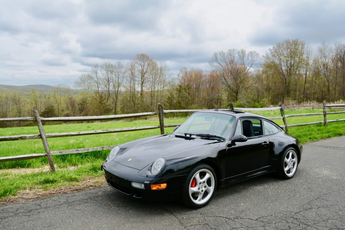 1996 Porsche 911 ( 993 ) C4S Coupe = AWD Hot-Seats $obo For Sale (picture 1 of 6)
