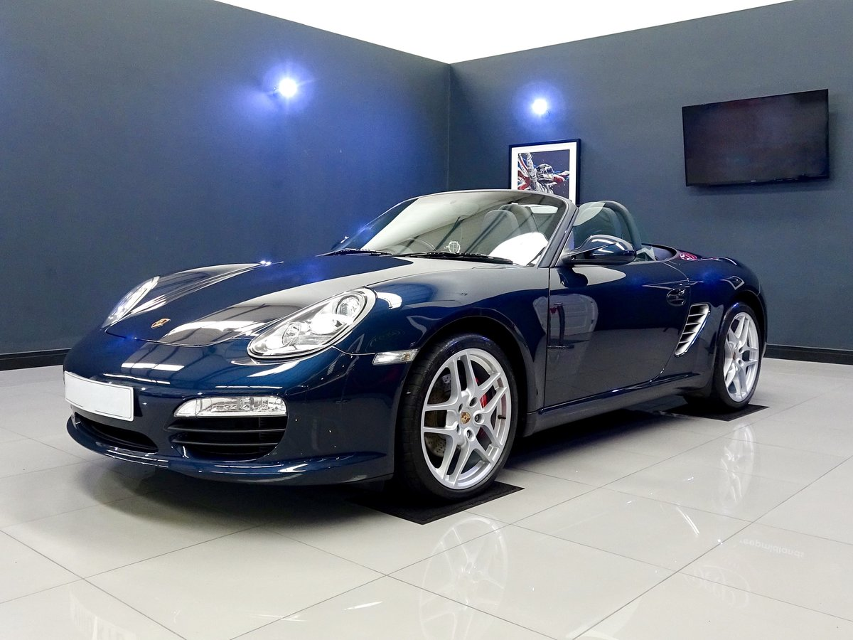 2010 Stunning low mileage, high spec car, full Porsche history For Sale (picture 1 of 6)