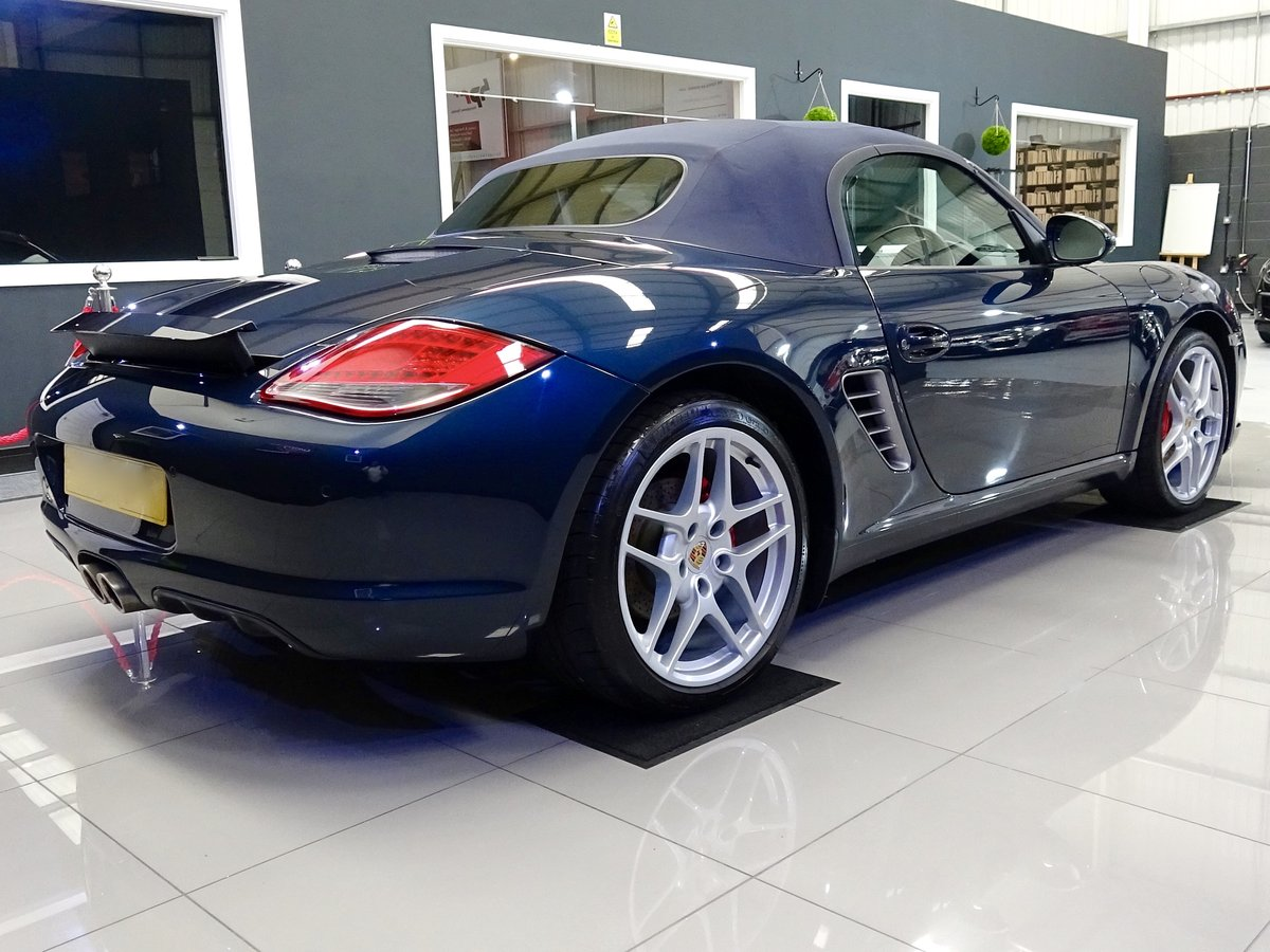 2010 Stunning low mileage, high spec car, full Porsche history For Sale (picture 2 of 6)