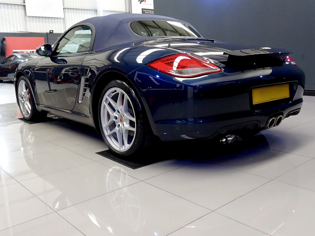2010 Stunning low mileage, high spec car, full Porsche history For Sale (picture 3 of 6)