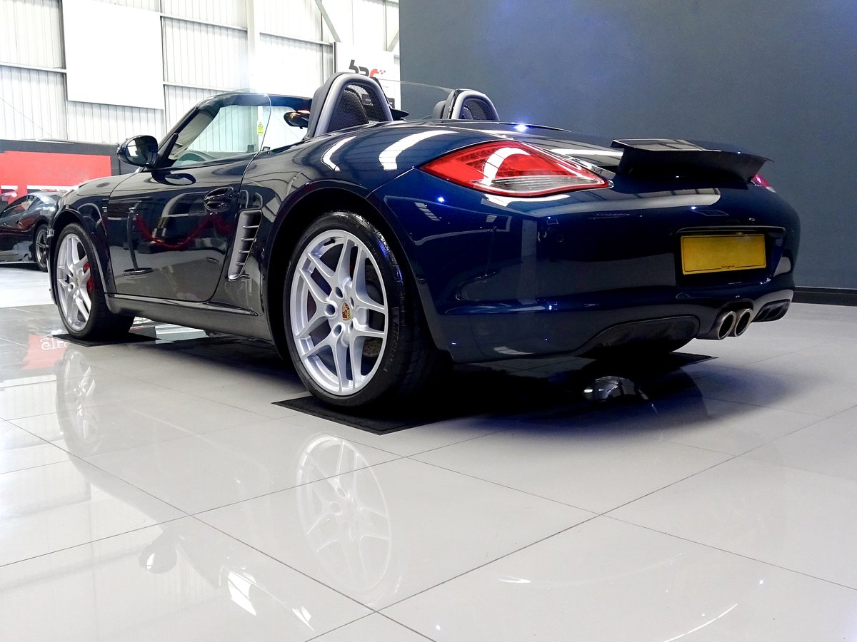 2010 Stunning low mileage, high spec car, full Porsche history For Sale (picture 4 of 6)