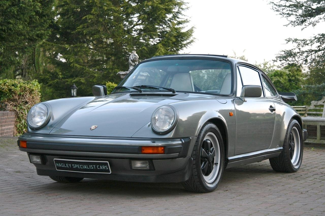 1988/F PORSCHE 911 3.2 CARRERA SPORT COUPE For Sale (picture 1 of 6)