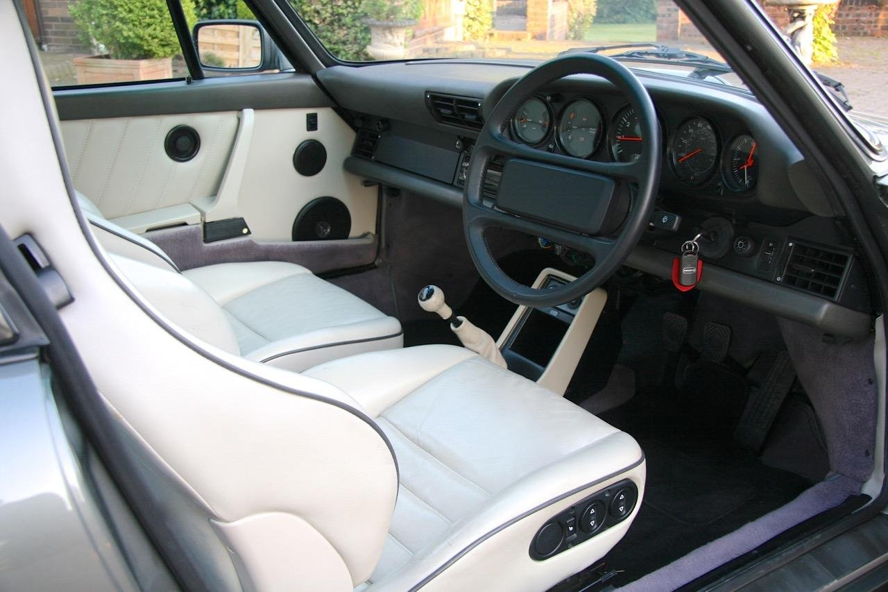 1988/F PORSCHE 911 3.2 CARRERA SPORT COUPE For Sale (picture 3 of 6)