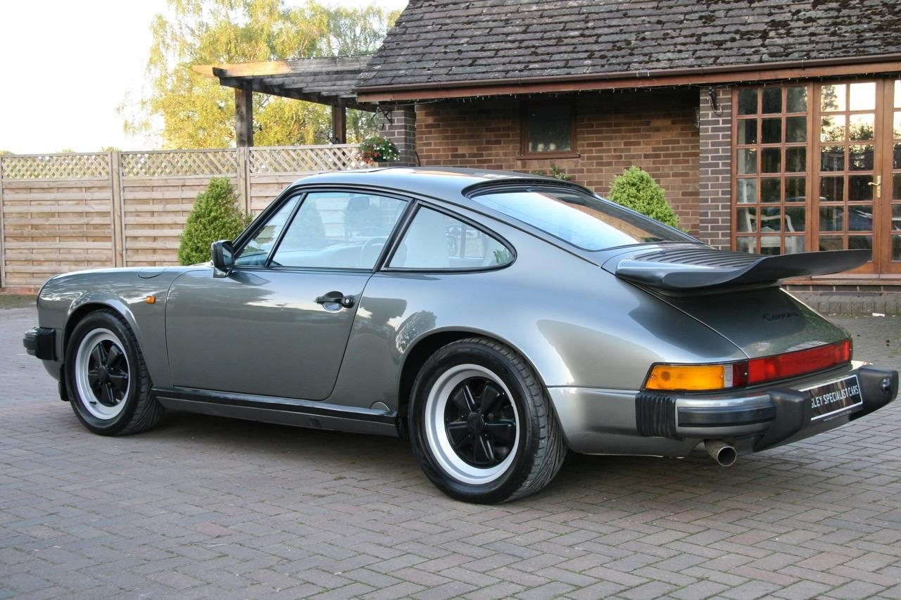 1988/F PORSCHE 911 3.2 CARRERA SPORT COUPE For Sale (picture 4 of 6)