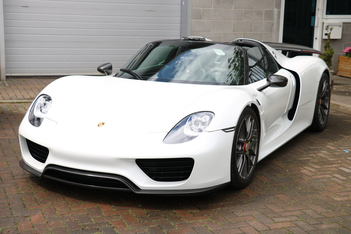 2015 Porsche 918 Spyder Weissach Package - Just Serviced For Sale (picture 1 of 6)